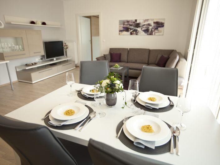 Repräsentatives Appartement in Graz - Esstisch